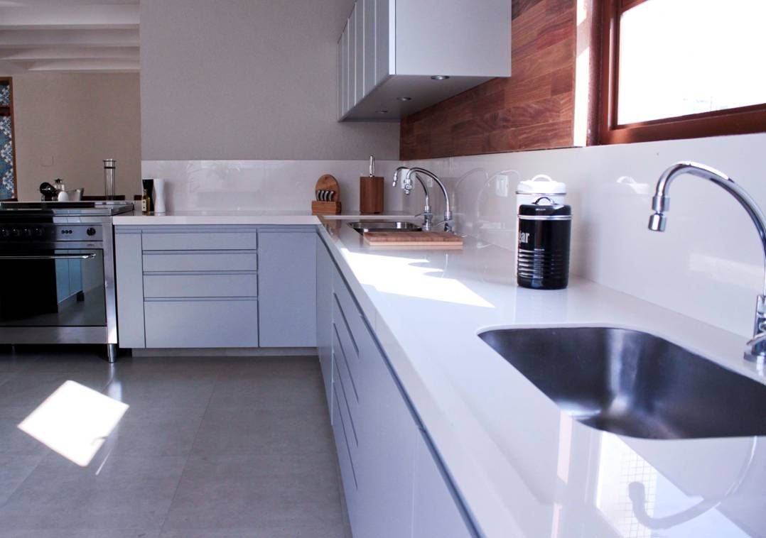 Bancadas em porcelanato  Guia Construir e Reformar # Bancada De Cozinha Em Porcelanato