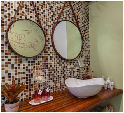 Banheiro da Galeria com a cuba Ruy Ohtake by Roca e Torneira de mesa bica alta Singles One