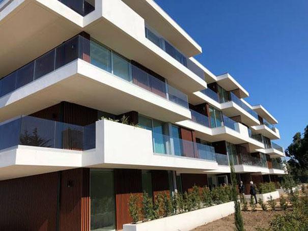 Condomínio liderado por brasileiros em Portugal é premiado por construção sustentável