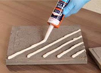 Cascola oferece adesivo de montagem para instalar piso em áreas externas