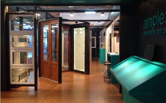 Perfis de PVC são os destaques da Amplex/kommerling na Construsul