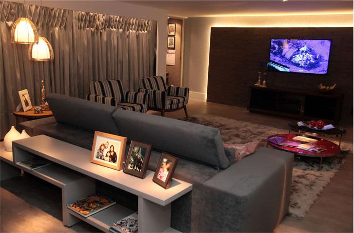 Almofadas Para Sala De Tv ~ Sala de TV com toque contemporâneo é destaque na mostra Morar Mais