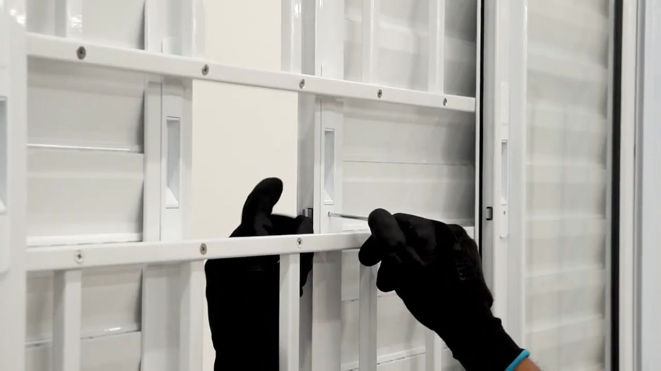 Sasazaki orienta como regular portas e janelas